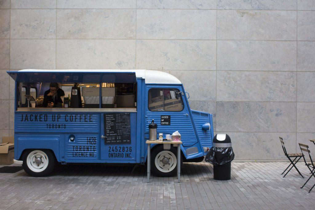 کافه های سیار خودرو های کلاسیک